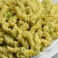 Instant Pot Broccoli & Cheddar Pasta