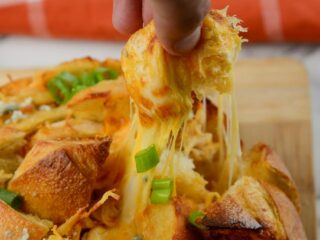 Air Fryer Buffalo Chicken Pull Apart Bread
