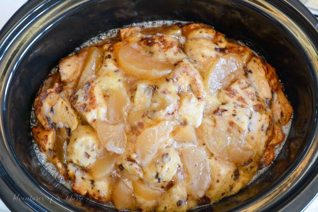 Apple and Cinnamon French Toast Casserole in slow cooker