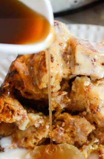 Slow Cooker Apple and Cinnamon French Toast Casserole