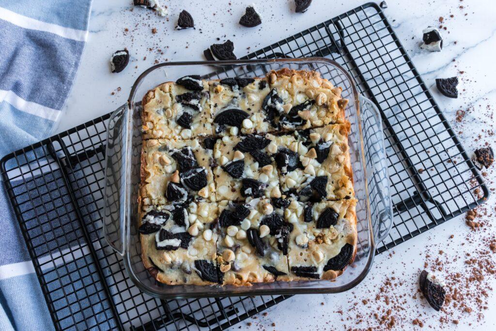 oreo cheesecake in pan
