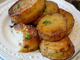 Crispy outside and soft inside melting potato