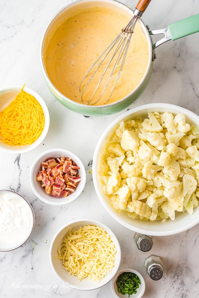 Mix cheese with Cauliflower florets